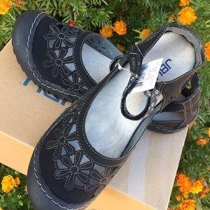 🌺 JBU Mary Jane shoes, NWT